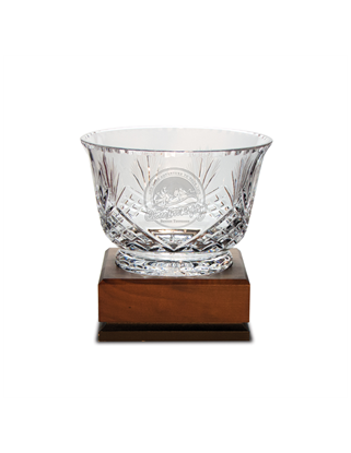 Picture of DE14 | Small Handcut Crystal Footed Revere Bowl
